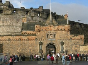 Edinburgh castle - image by jimsgotweb.com